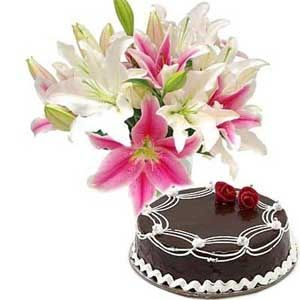 6 Pink and white Lilies bouquet with 1/2 Kg chocolate cake
