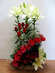 Arrangement of Lilium and Red Roses