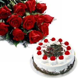 12 red roses 1/2 kg chocolate cake