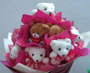 6 teddies 6 inches each in bouquet